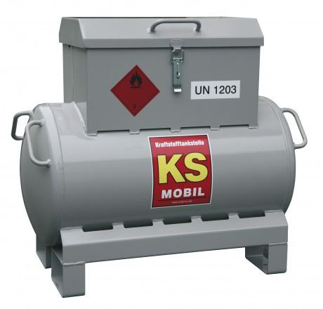Benzintankstation KS-Mobil mit Handpumpe